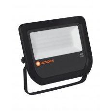 Ledvance LED-Scheinwerfer 50W 3000K 5250 Lumen IP65 Schwarz   Symmetrisch - Ersatz für 100W